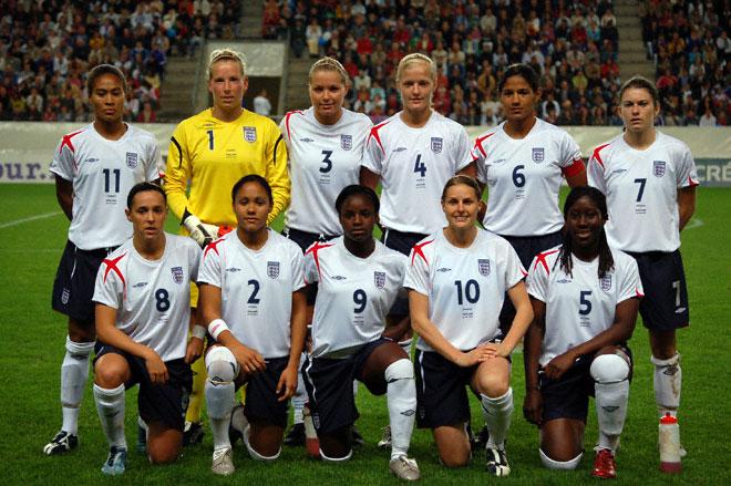 england-womens-footballteam.jpg